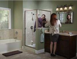 Tub & Shower Photo 1