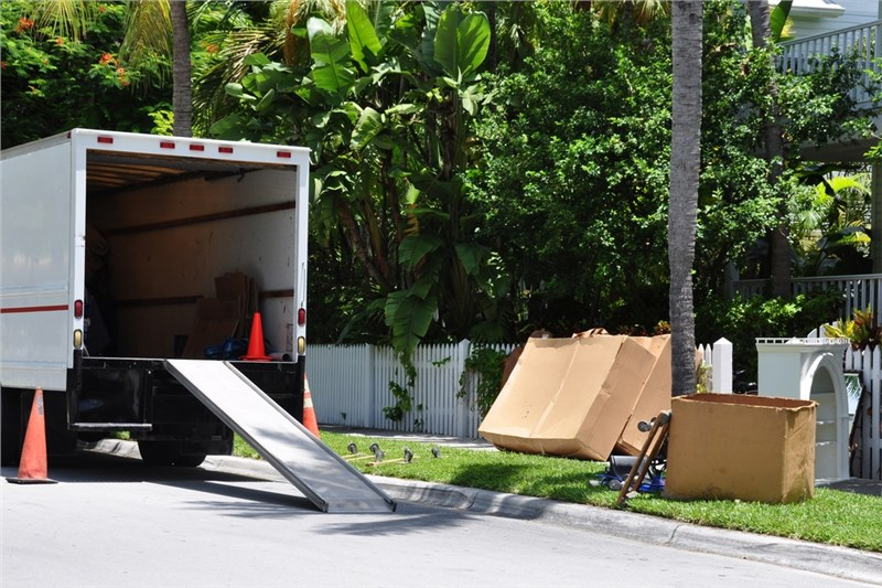 How to Avoid Common Moving Disasters This Spring