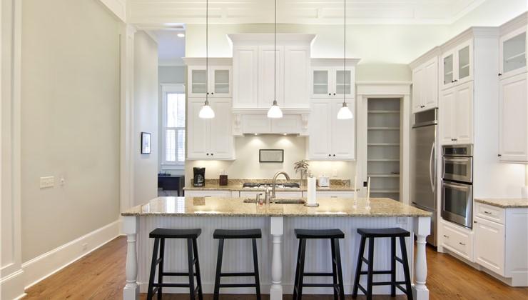 Wood Cabinets - Laminate Cabinets Photo 1