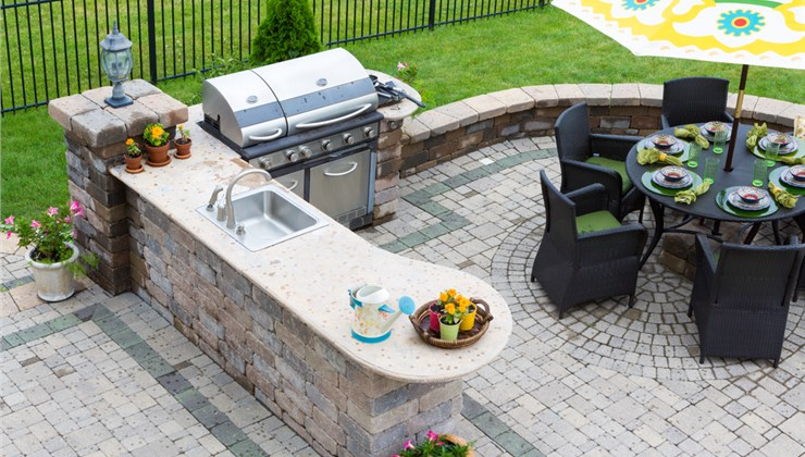 Outdoor Living Spaces - Entertainment Islands Photo 1
