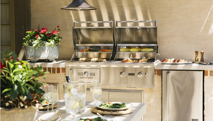 Outdoor Kitchens - Built in BBQ Photo 1