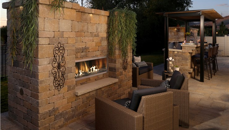 Fire Features - Outdoor Fireplaces Photo 1