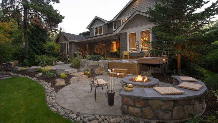 Outdoor Living Spaces - Seating and Conversation Spaces Photo 1
