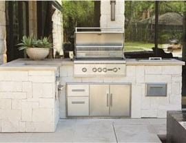 Outdoor Kitchens - Built in BBQ Photo 3