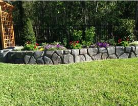 Retaining Walls - Garden Retaining Wall Photo 3