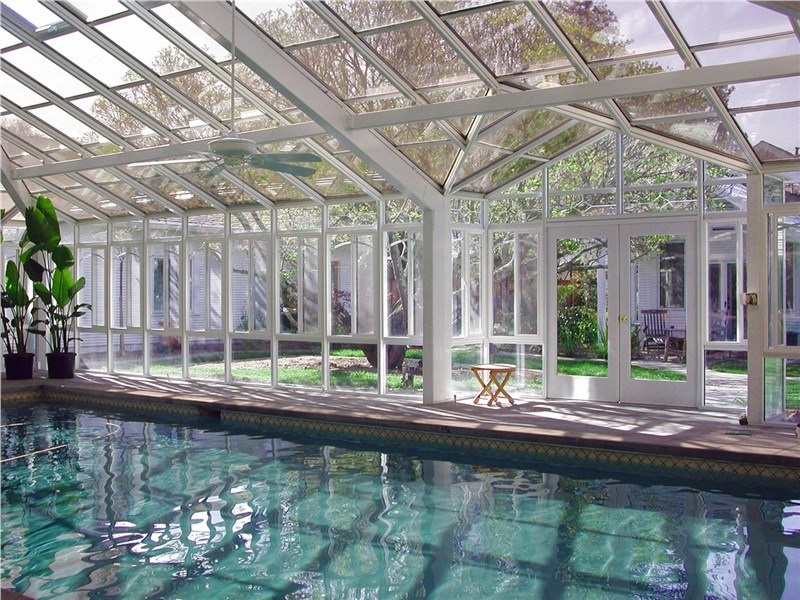6 Amazing Benefits of a Pool House Conservatory