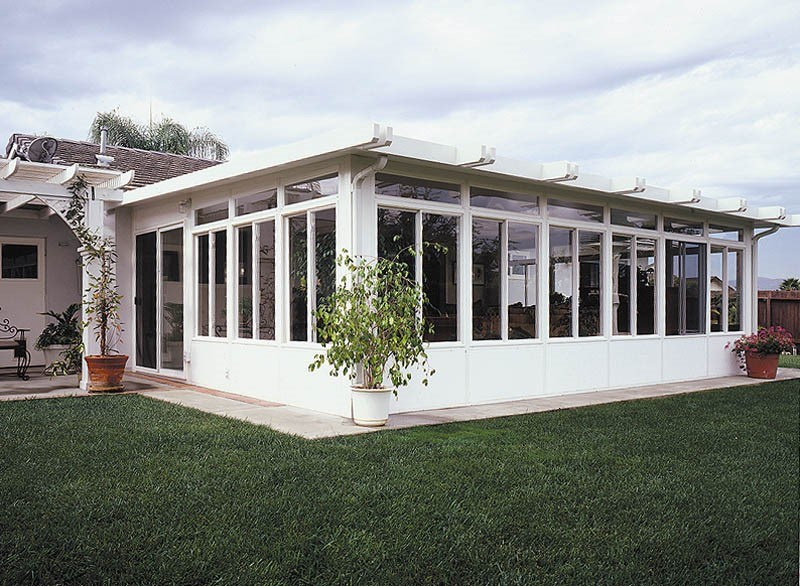 4 Reasons to Install Glass Patio Enclosures