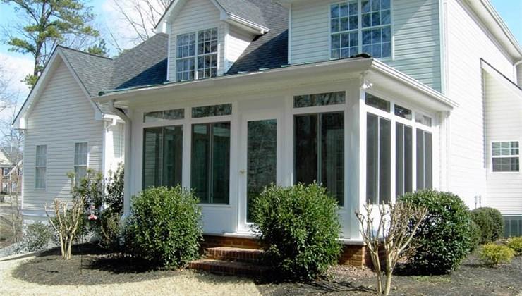 Screen Porch Photo 1