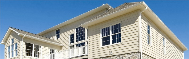 Superior Siding: Top 4 Reasons to Choose Vinyl for Your Home